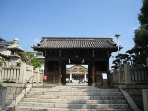 岡山神社 随神門